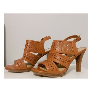 Tan Sandals! 😉😍